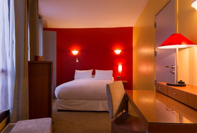 H tel danemark paris entre montparnasse et saint for Hotel design montparnasse